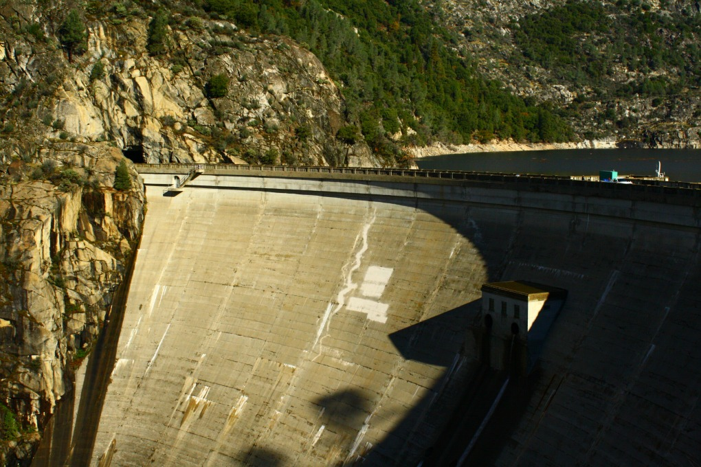 an analysis of the hetch hetchy valley dam controversy A lawsuit aimed at draining san francisco's reservoir in yosemite national park recently met another obstacle but efforts to restore the flooded valley are far from over, supporters say hetch hetchy reservoir in yosemite national park holds 360,000 acre-feet of water, which serves san francisco .